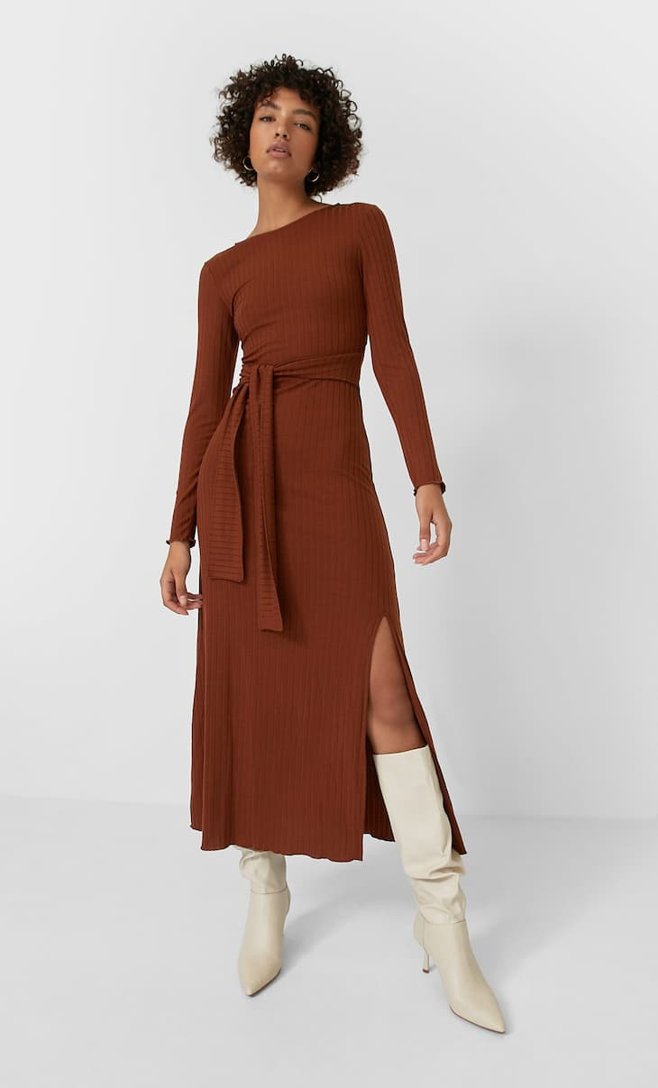 Midi dress with back slit