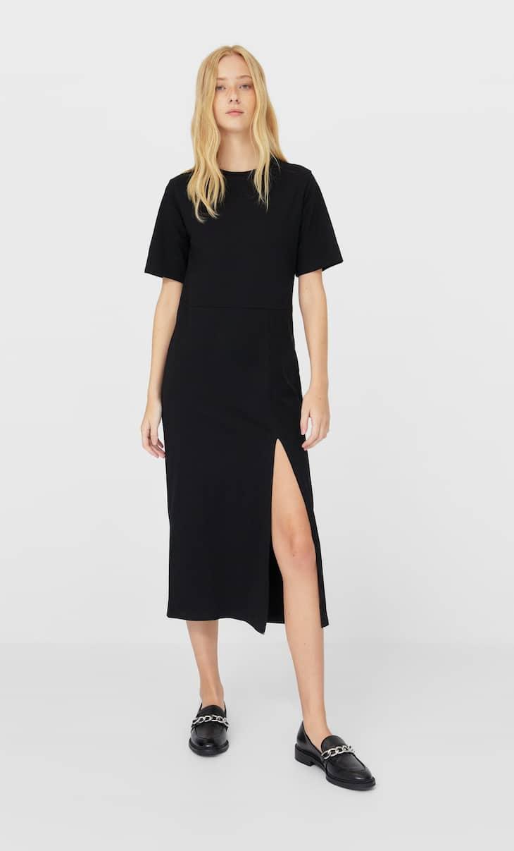 שמלה באורך midi עם שרוולים קצרים