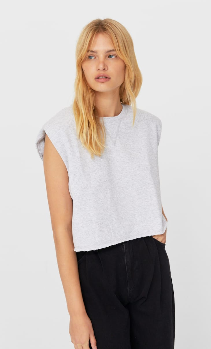 Cropped sweatshirt with shoulder pads