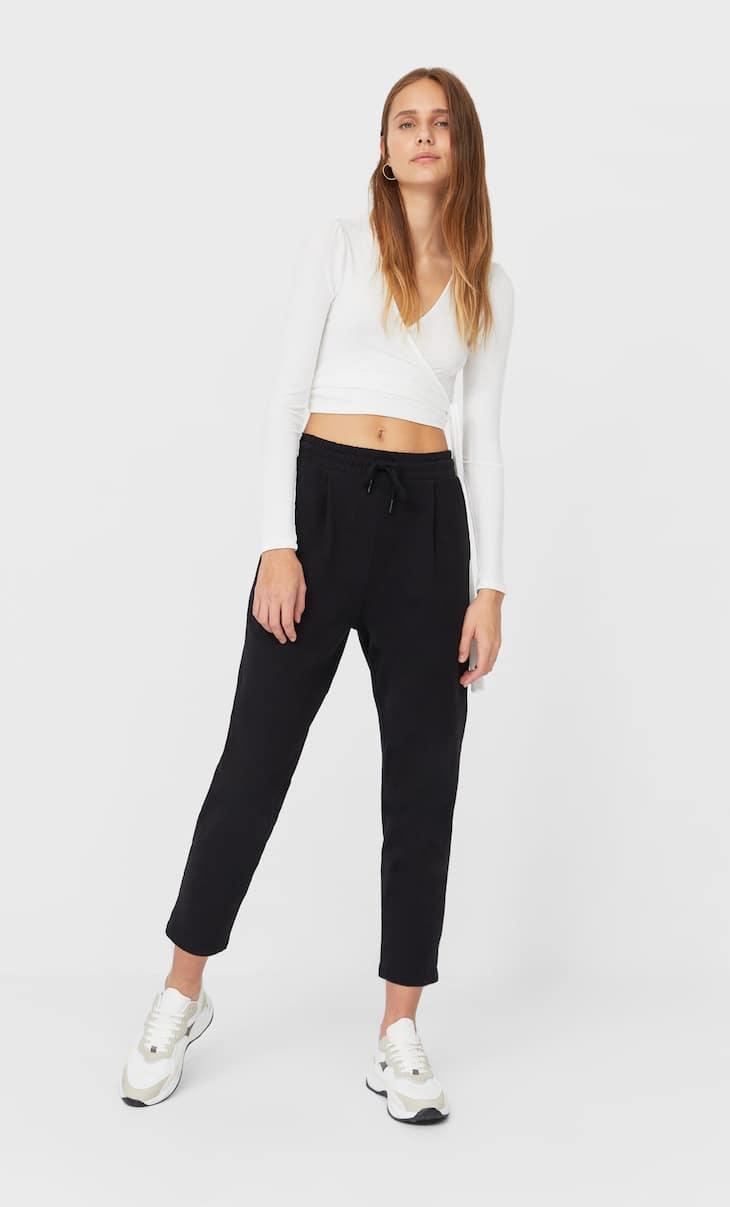 Spodnie joggersy ze sznurkiem