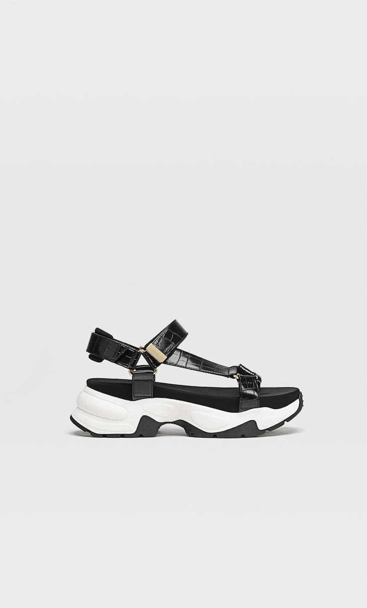 Sporty sandals with embossing