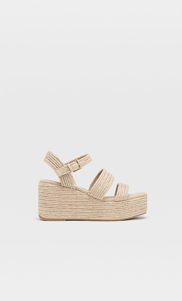 Braided raffia wedges