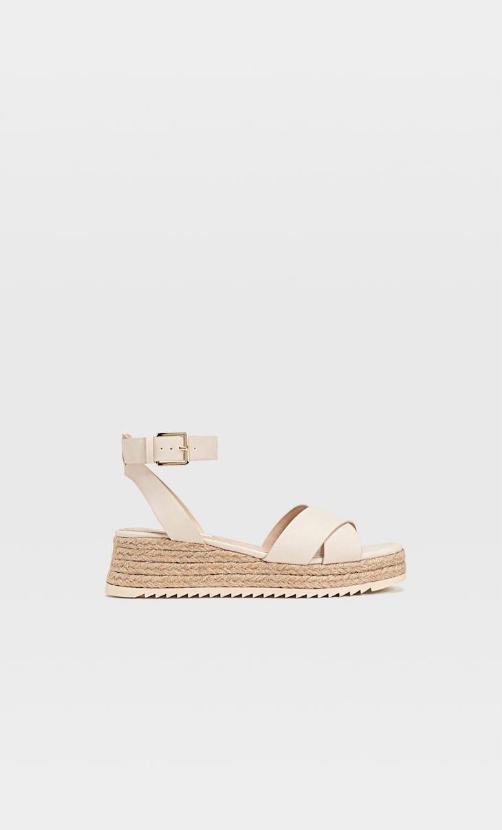 Sandale mini cu platformă de iută și curelușă