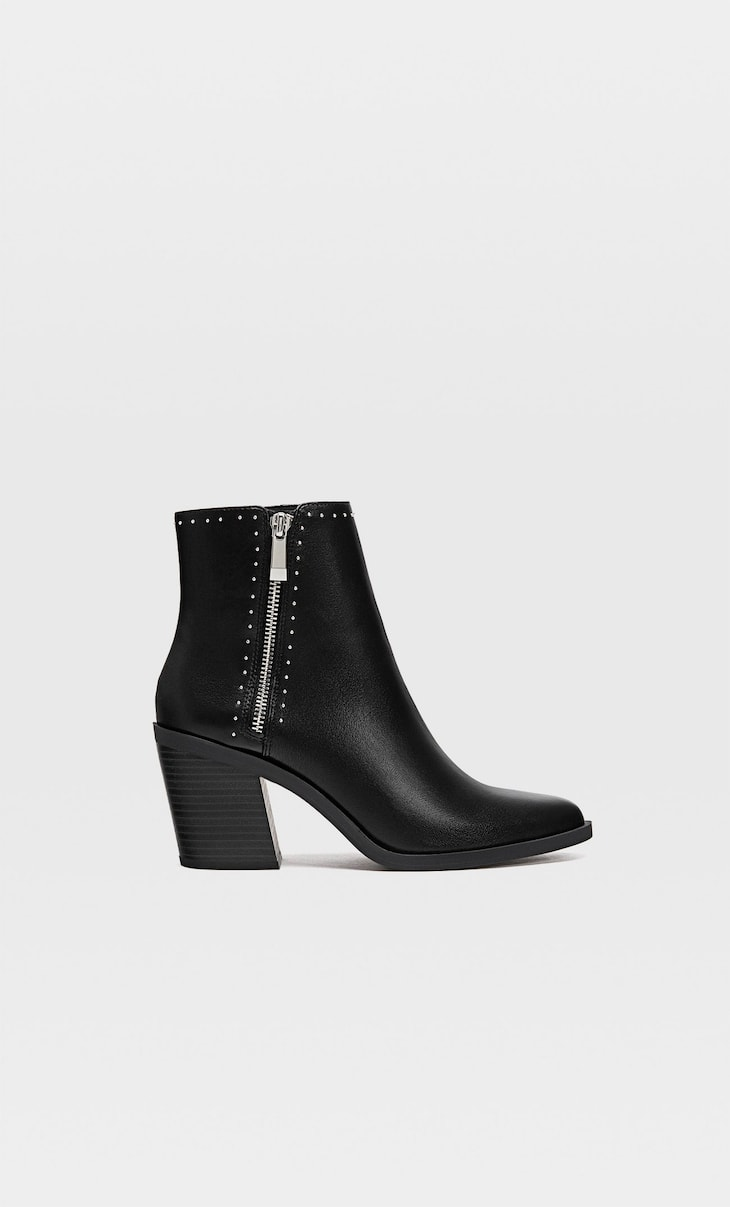 Bottines noires talon clous