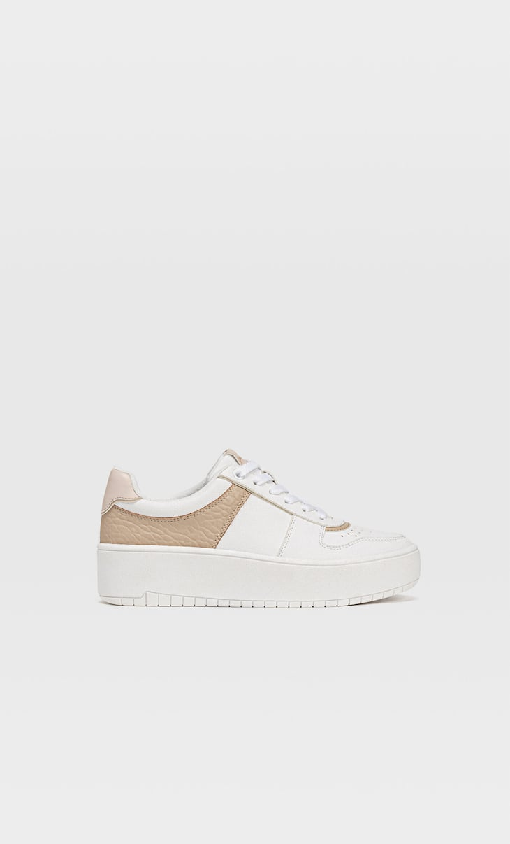 Flatform trainers with piece details