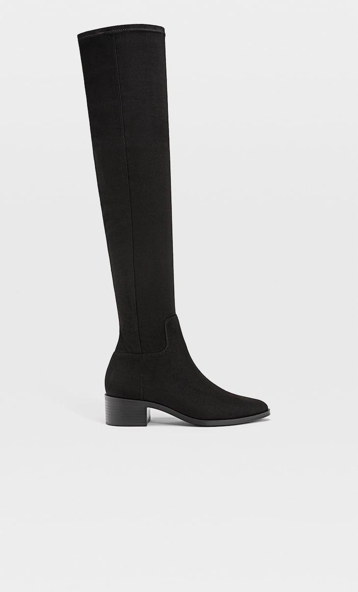 Flache Overknee-Stiefel