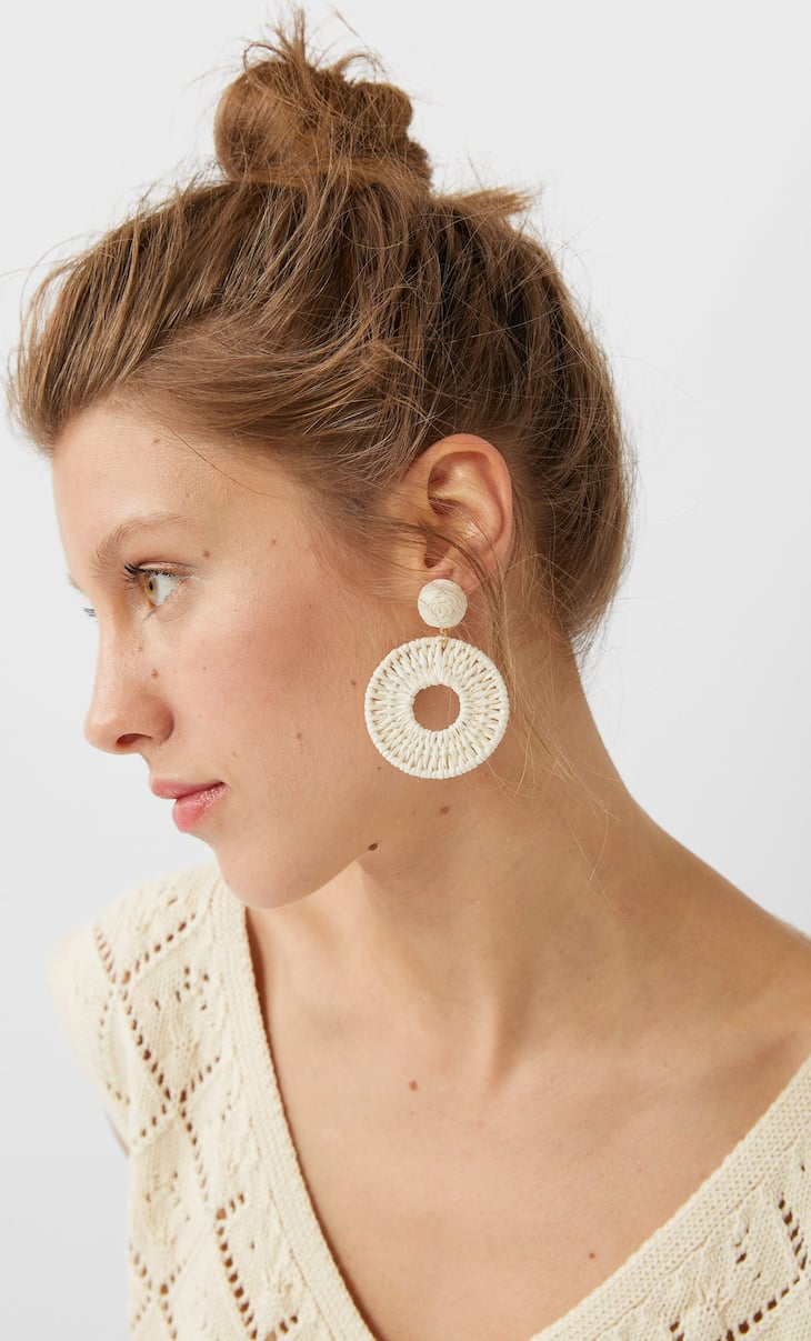 Natural thread earrings
