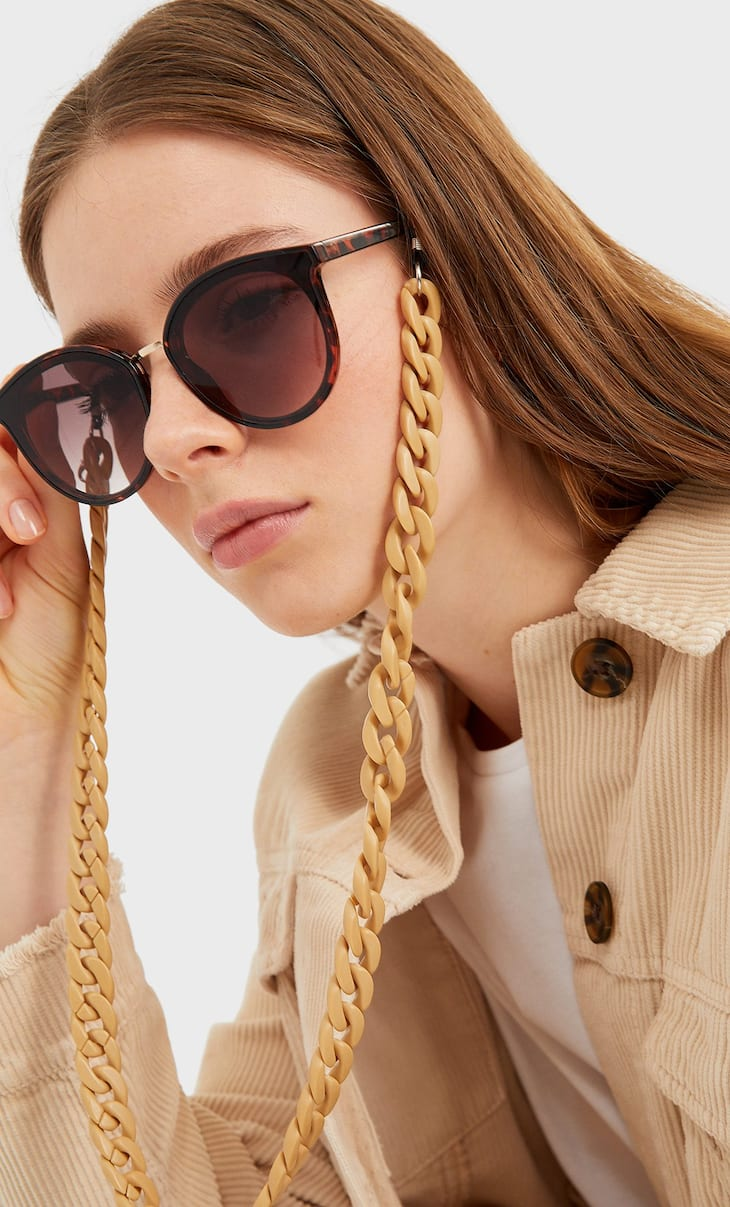 Matte glasses chain