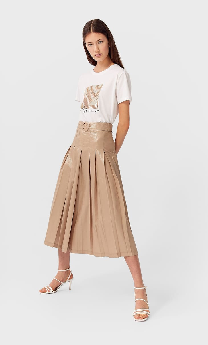 Pleated skirt-effect trousers