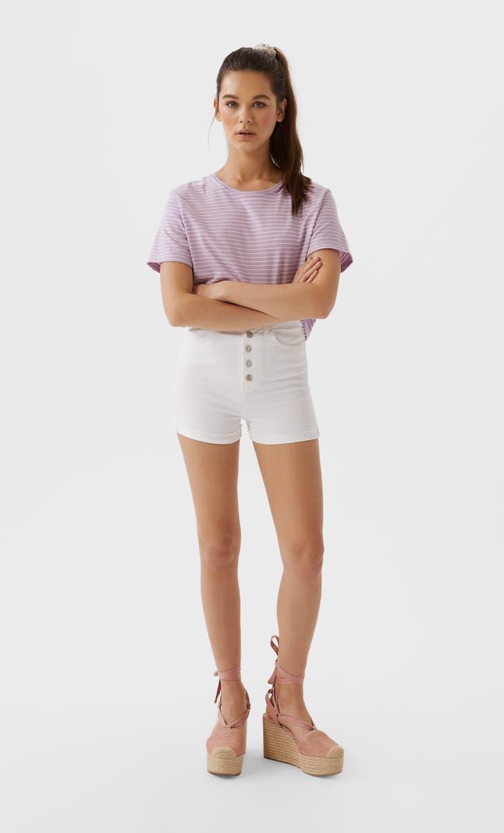Shorts mit hohem Bund und Knöpfen
