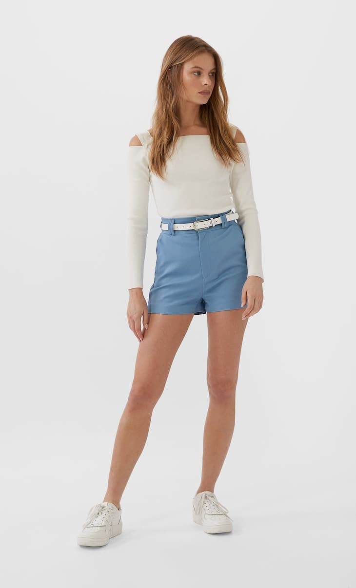Basic smart shorts with belt
