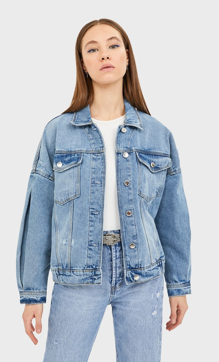 Denim jacket with voluminous sleeves