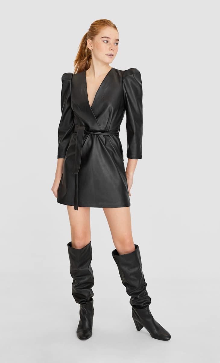 Deri efektli kısa elbise