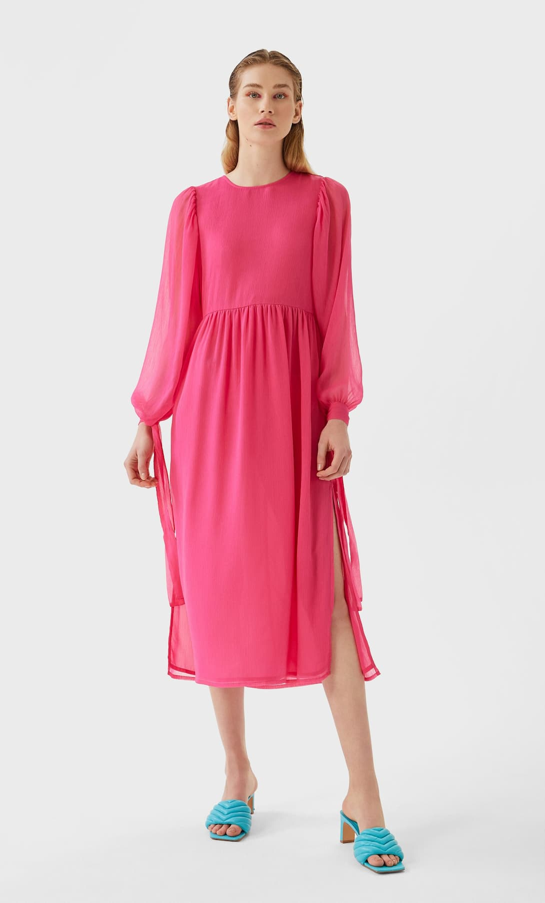 STR_Long dress with tie detail_1