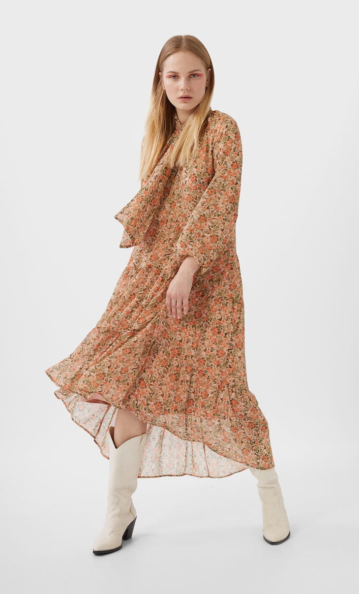 Long printed dress with bow