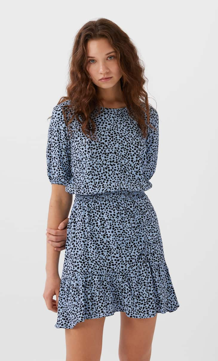 Short knit dress with print