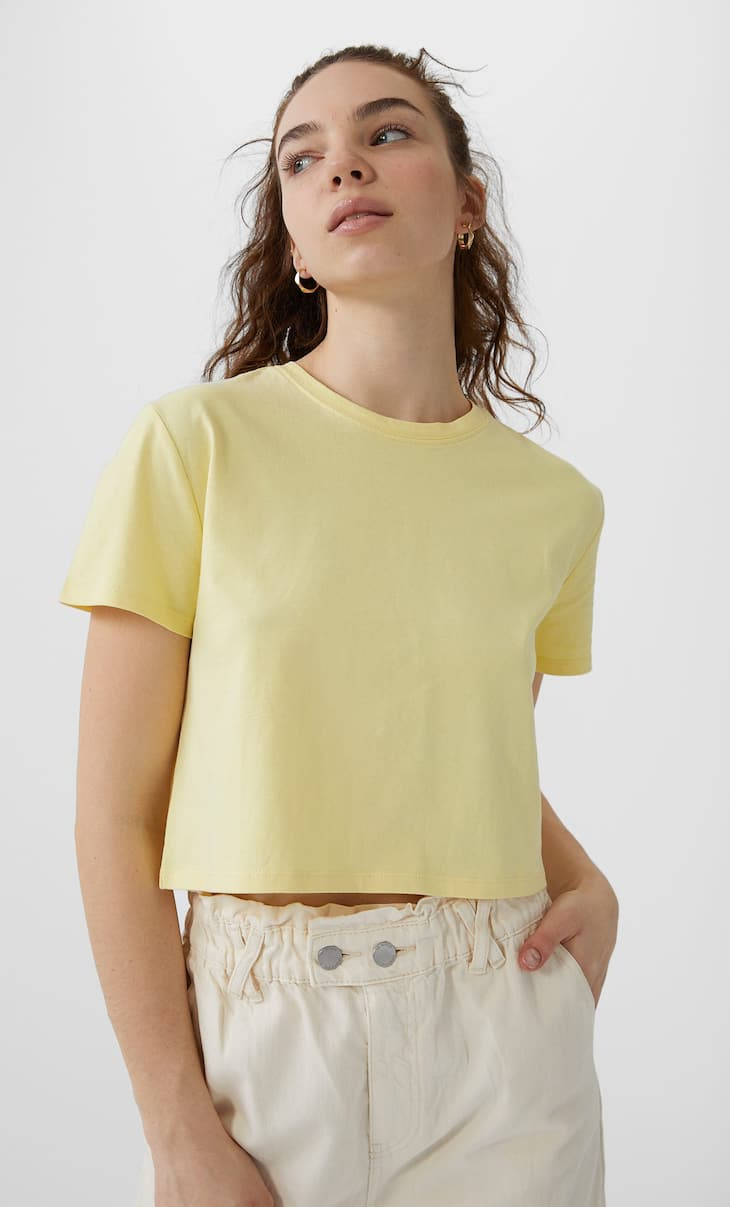 Basic short sleeve crop top