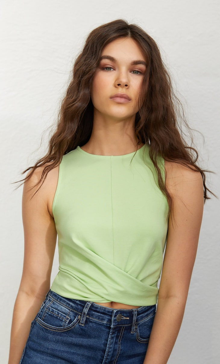Cropped-Top in Wickeloptik