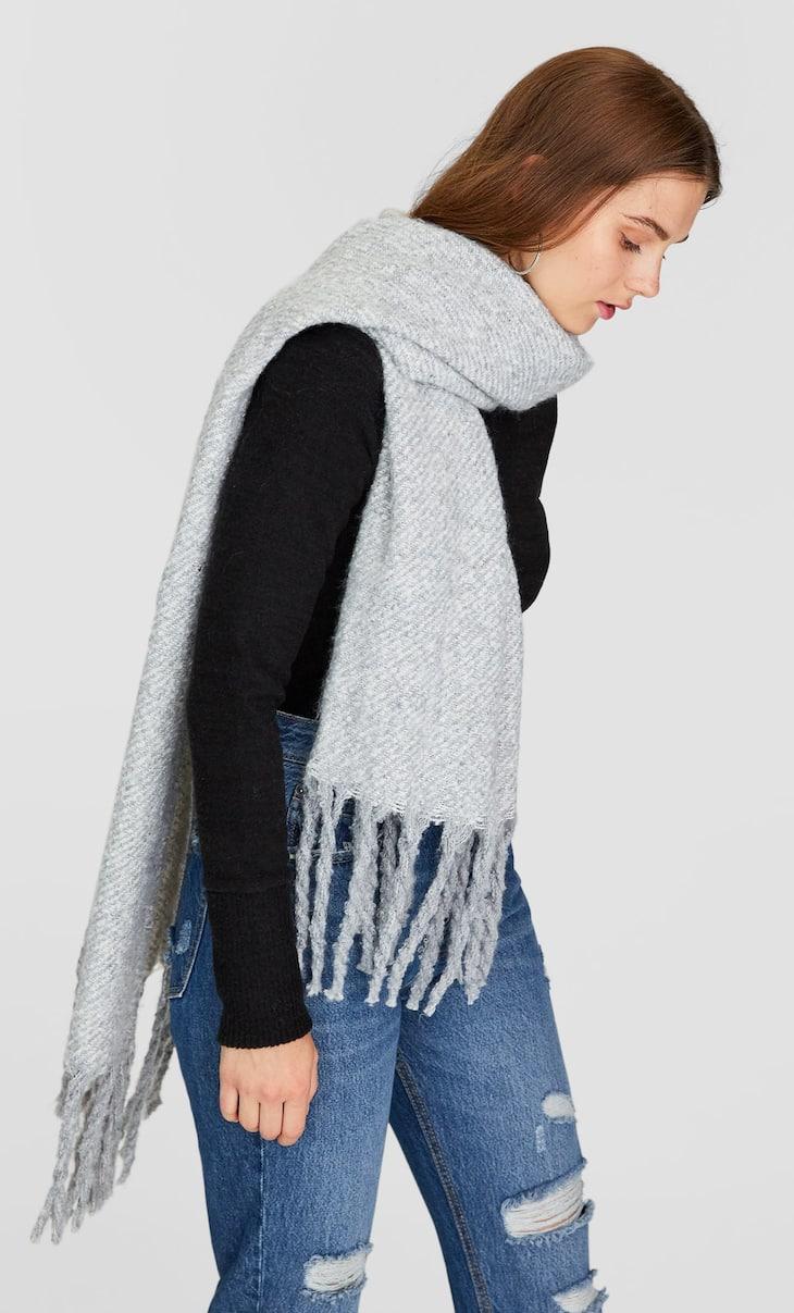 Schal aus gebürstetem Garn