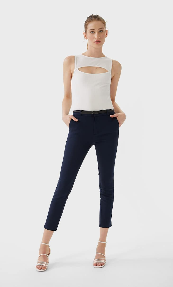 Pantaloni eleganti con cintura