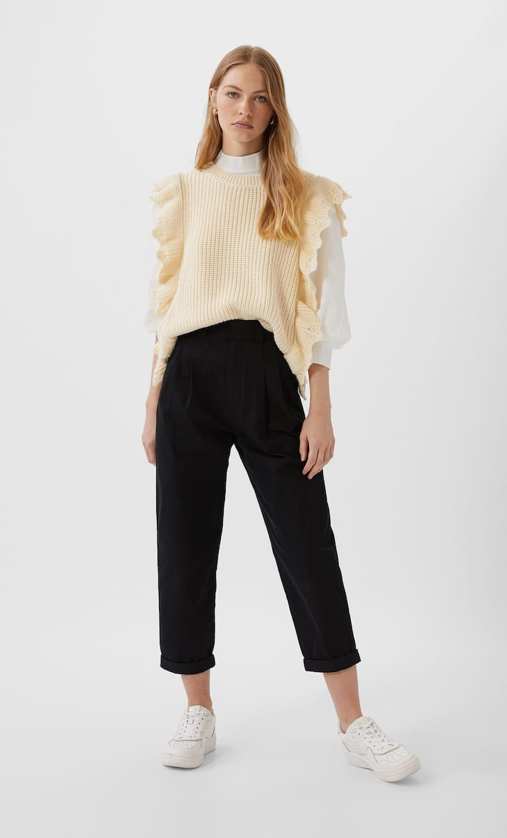 Slouchy trousers with pleats