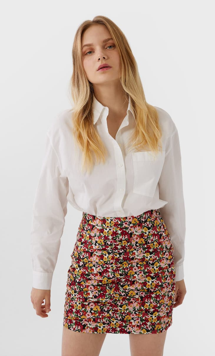 Ruched mini skirt