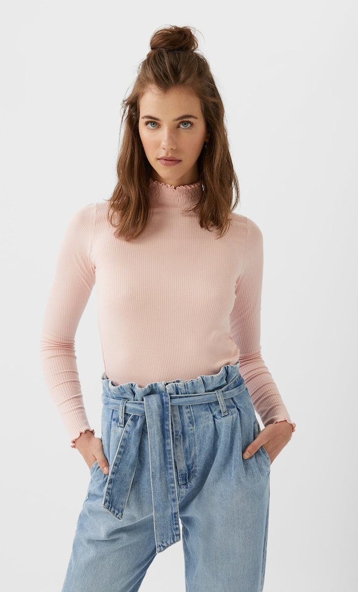 Lettuce-edge long sleeve top
