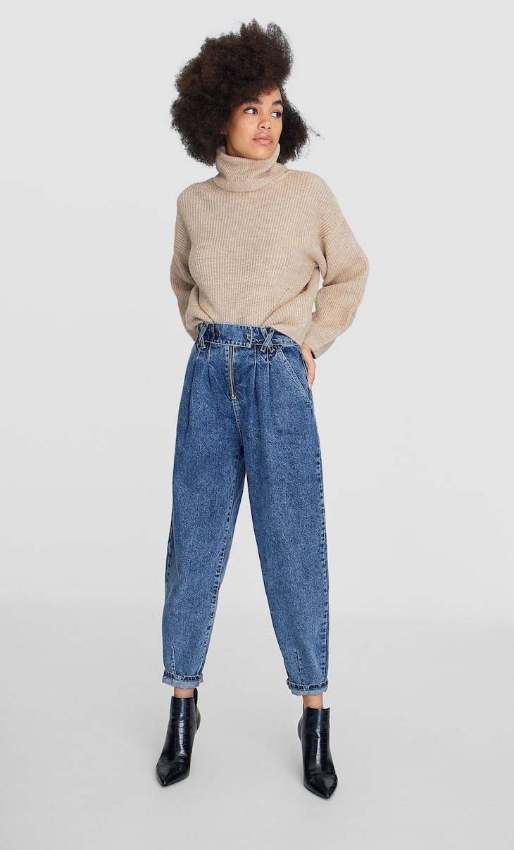 Slouchy trousers with zip
