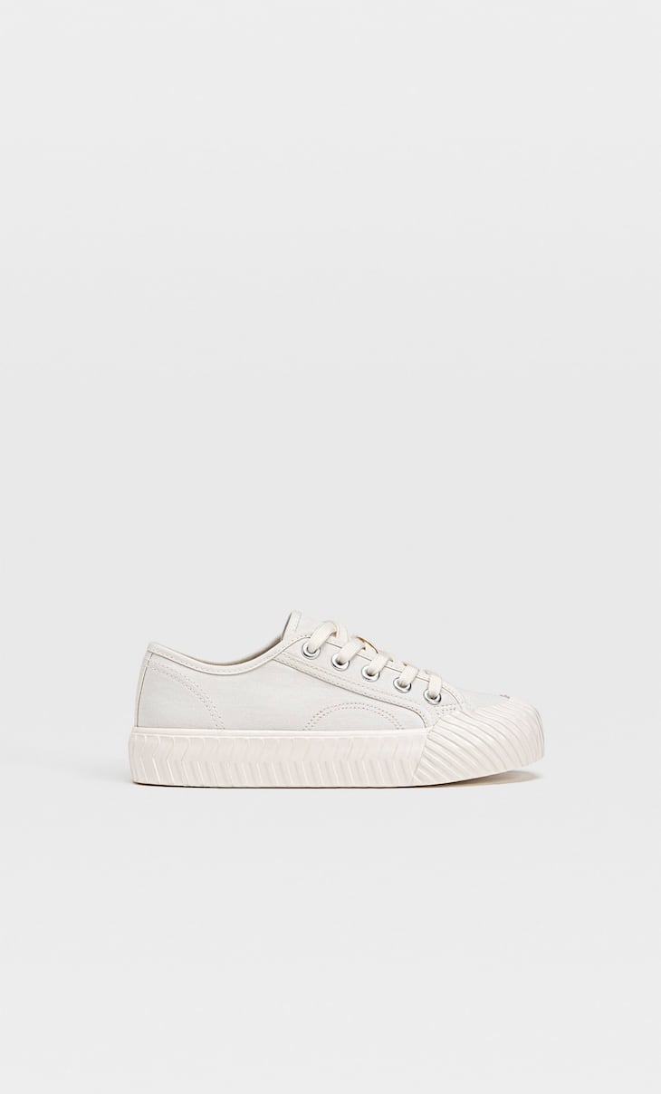 Fabric trainers with toecap details