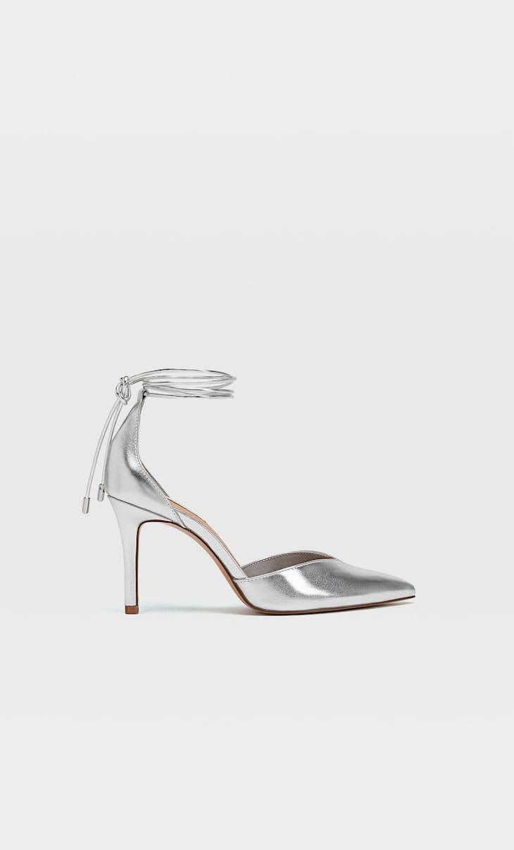 Tie-up heels