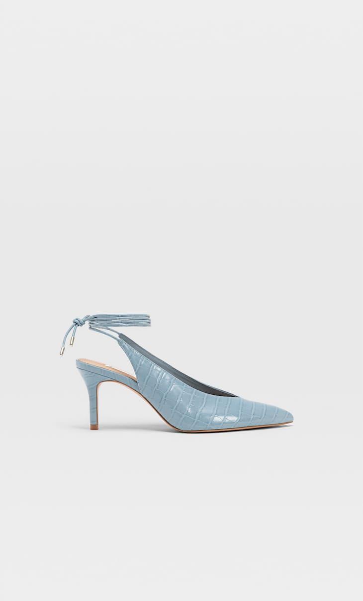 Туфли на каблуке и с тиснением