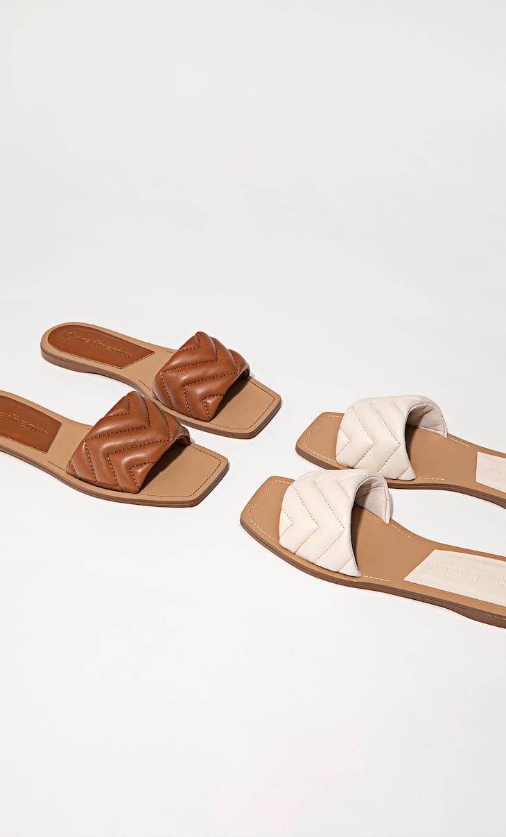 Quilted flat sandals