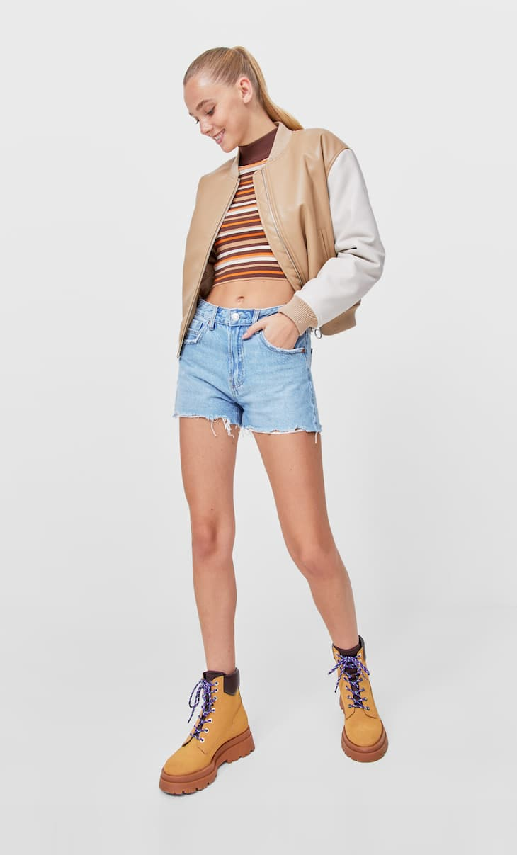 Relaxed fit denim shorts