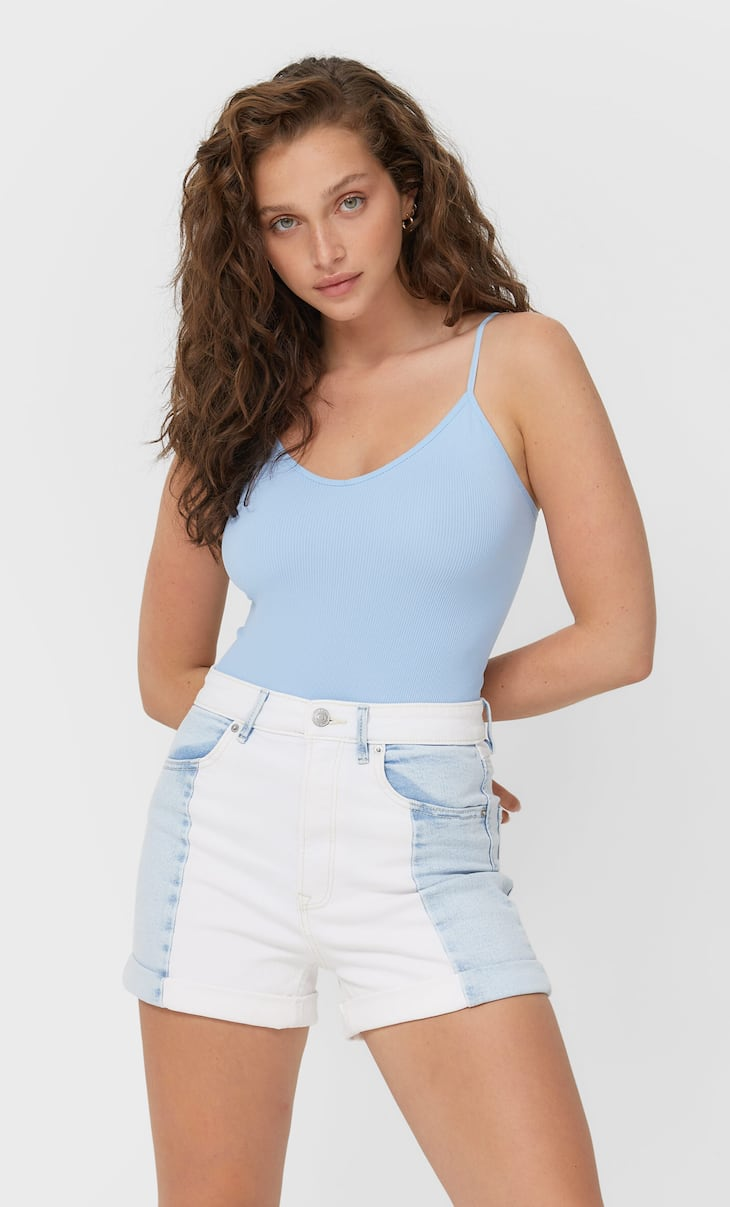 Contrast slim fit mom shorts