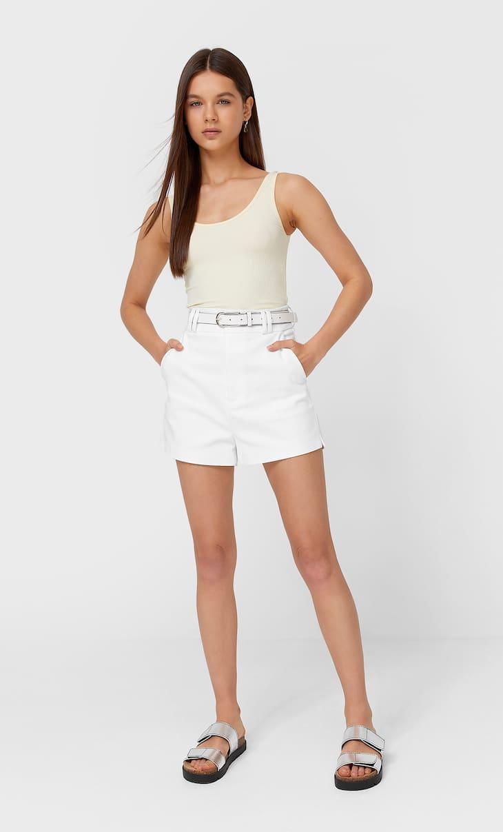 Basic smart shorts with belt