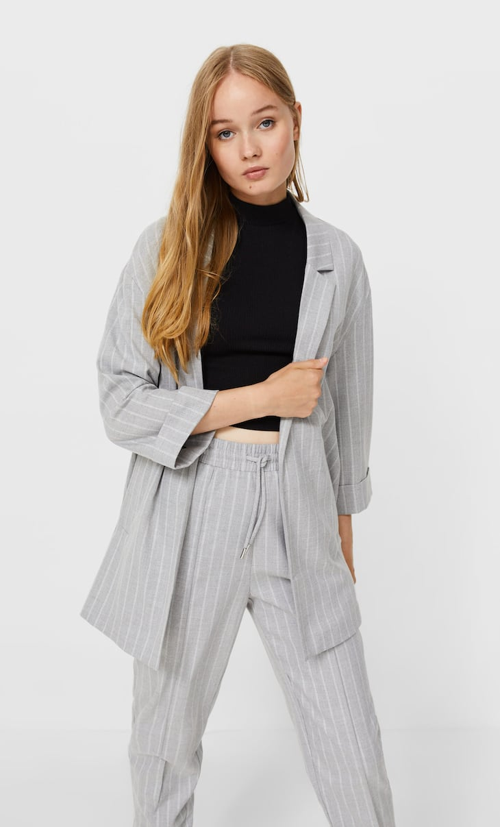 Flowing blazer with drop sleeves