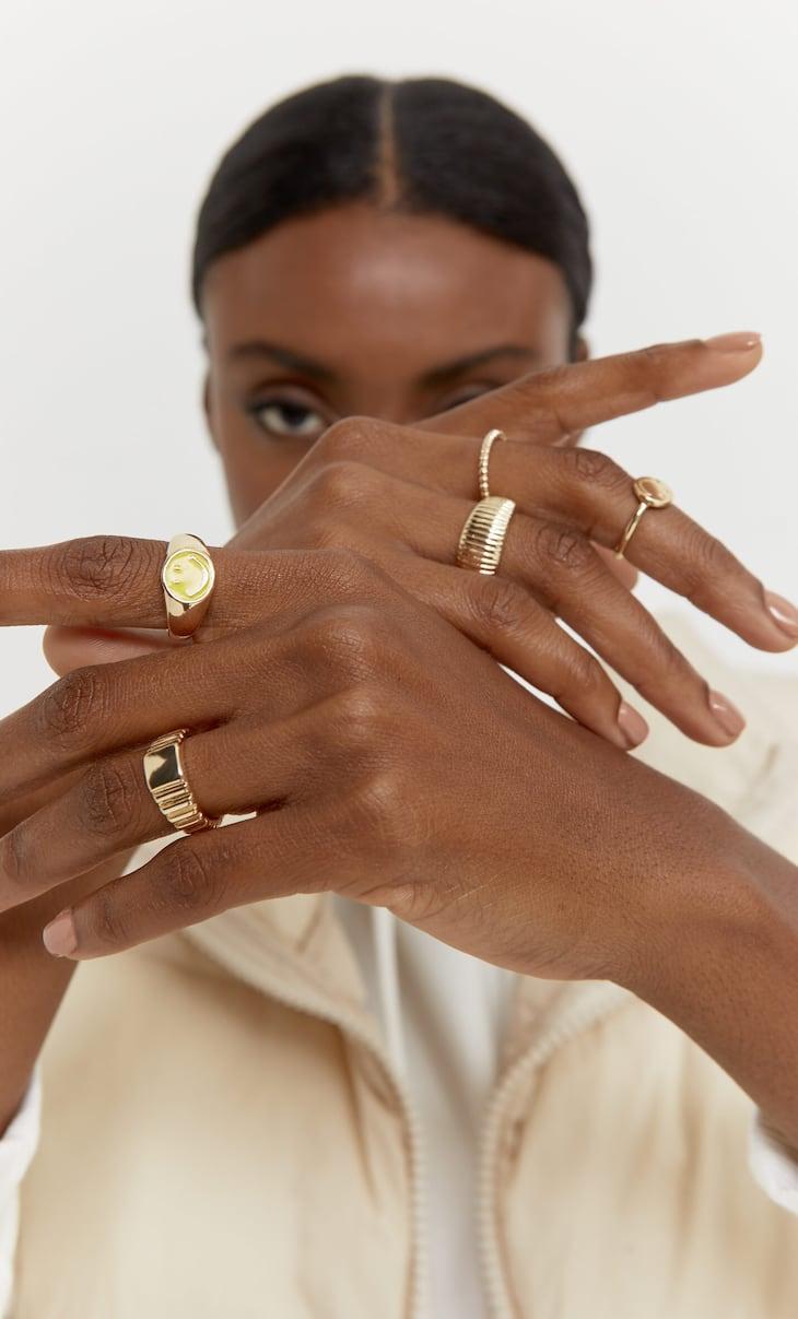 Set of 5 Smiley ® rings