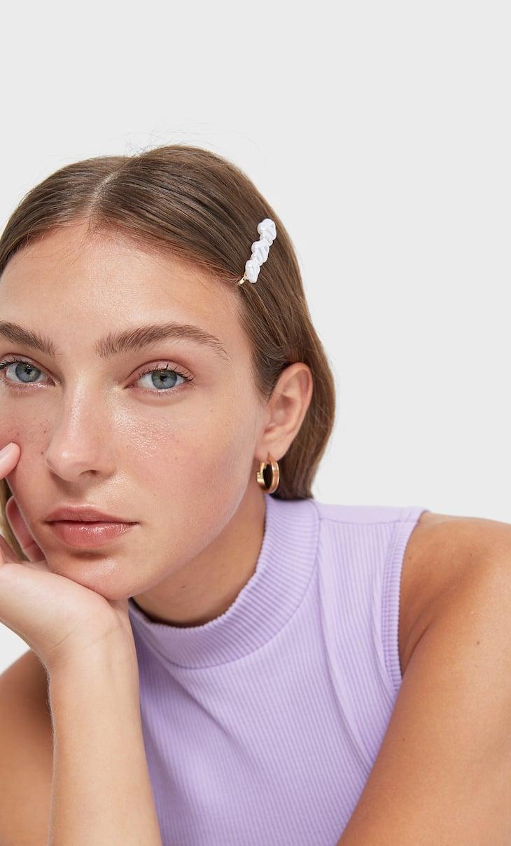 Set of 5 faux pearl and diamanté hair slides