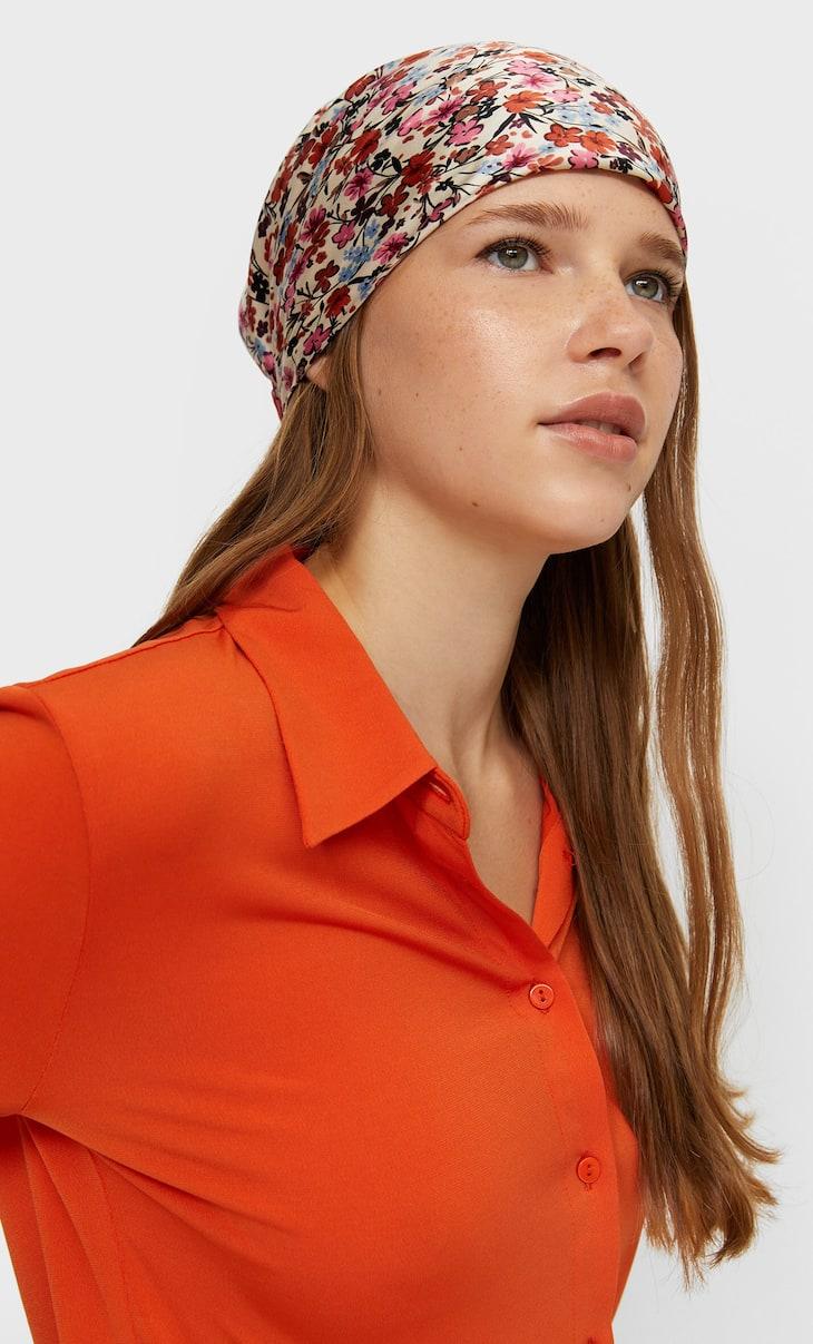 Romantic floral scarf