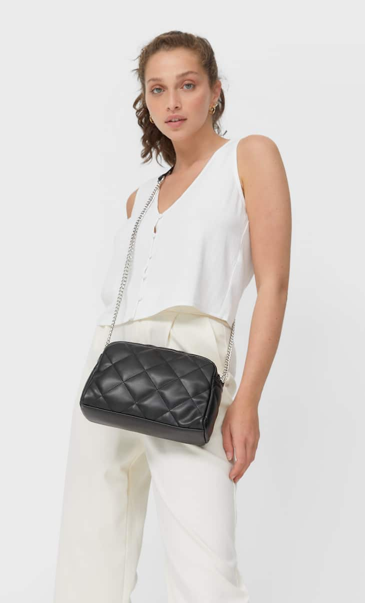 Basic quilted crossbody bag