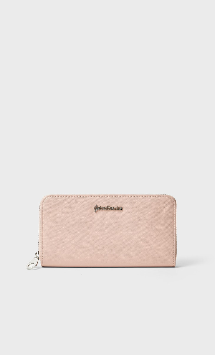 Basic wallet with zip