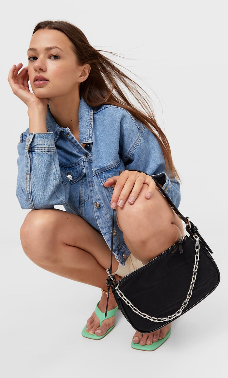 Fabric shoulder bag with chain