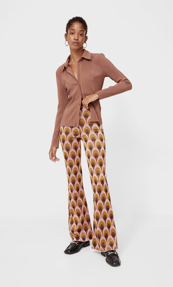 Расклешенные жаккардовые брюки с принтом в стиле ретро