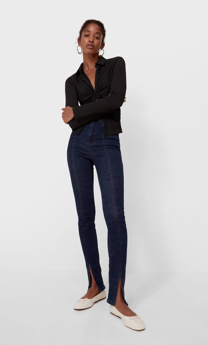 Skinny jeans with slit