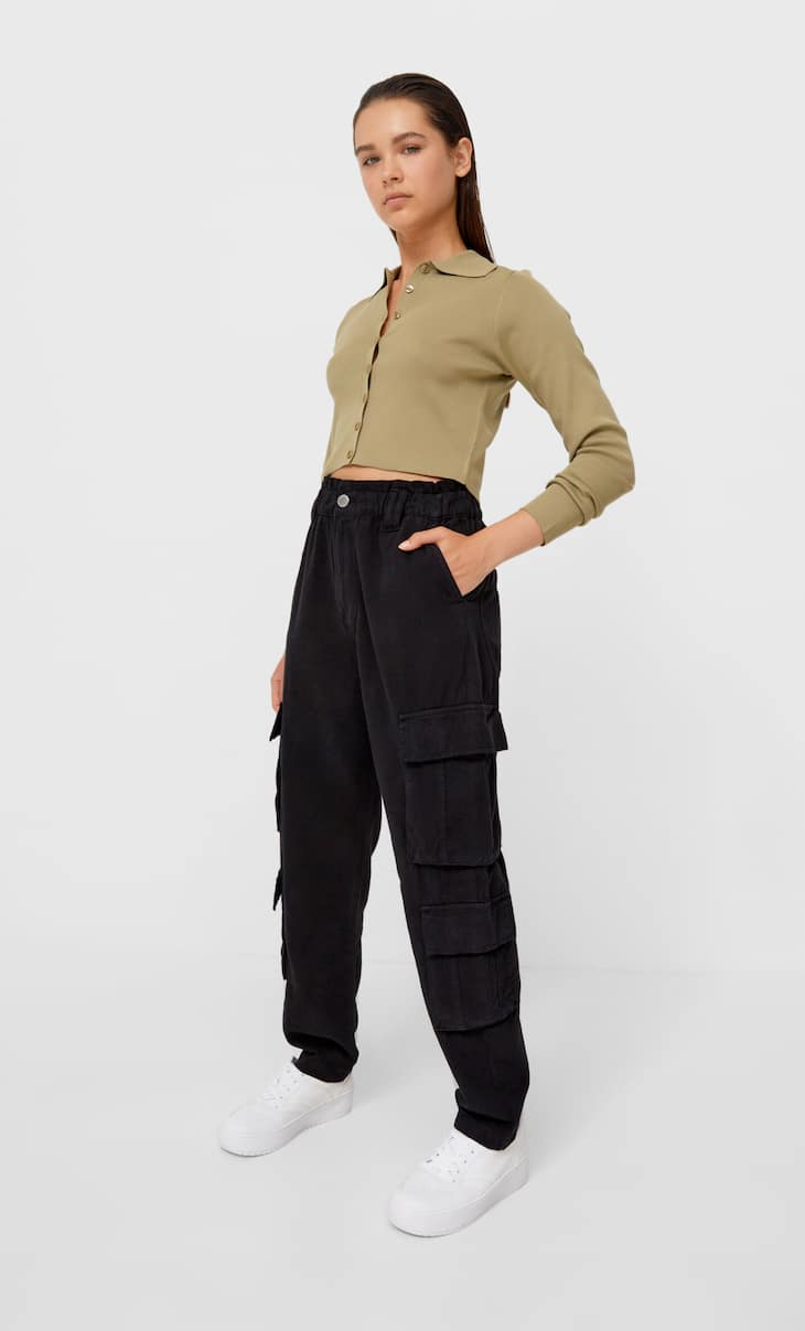 Relaxed-fit cargo trousers