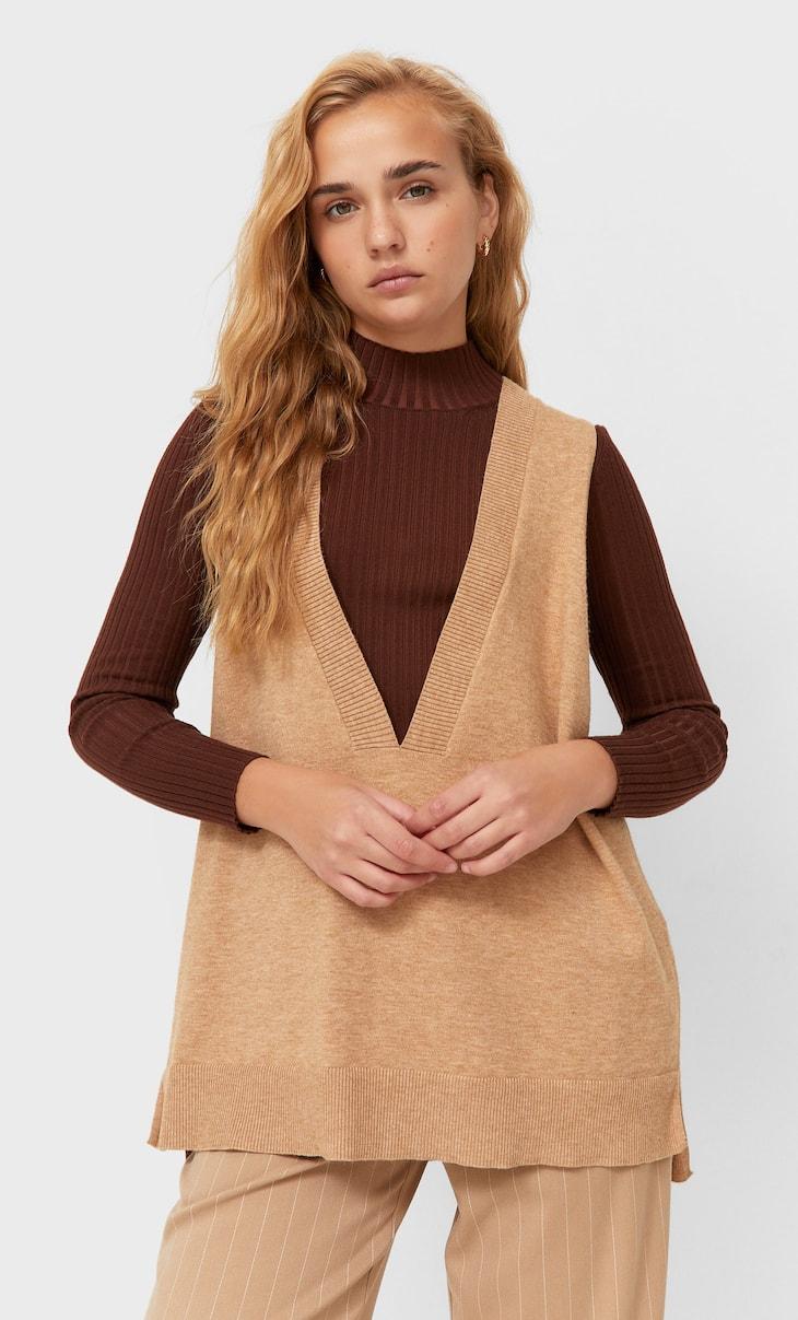V-neck oversize vest