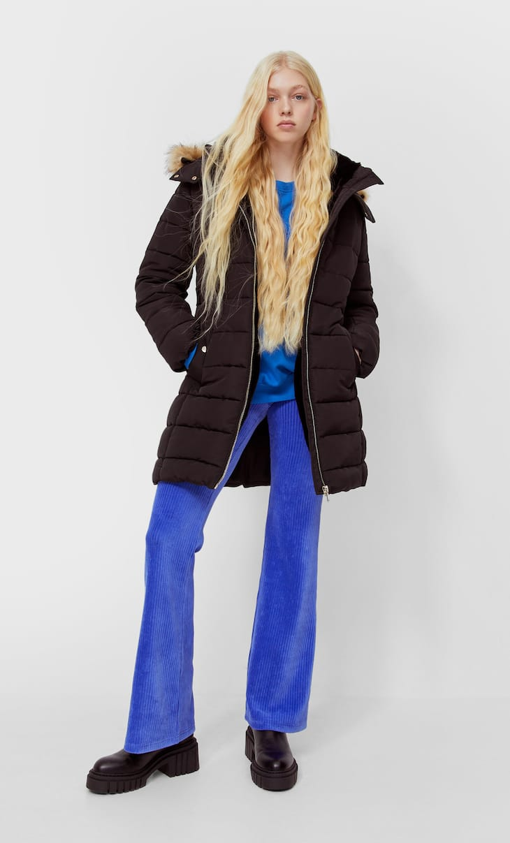 Fitted puffer coat with hood