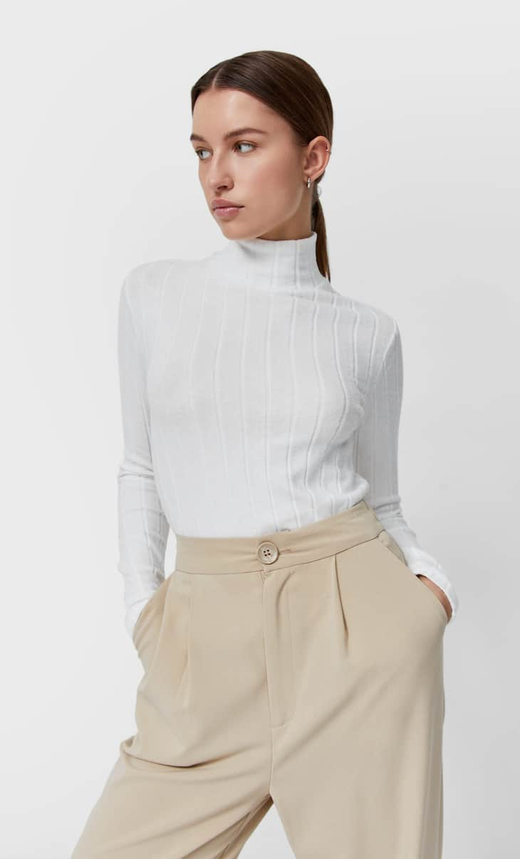 Camiseta cuello alto