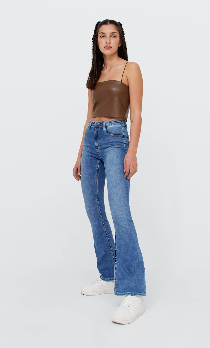Low-waist flared jeans
