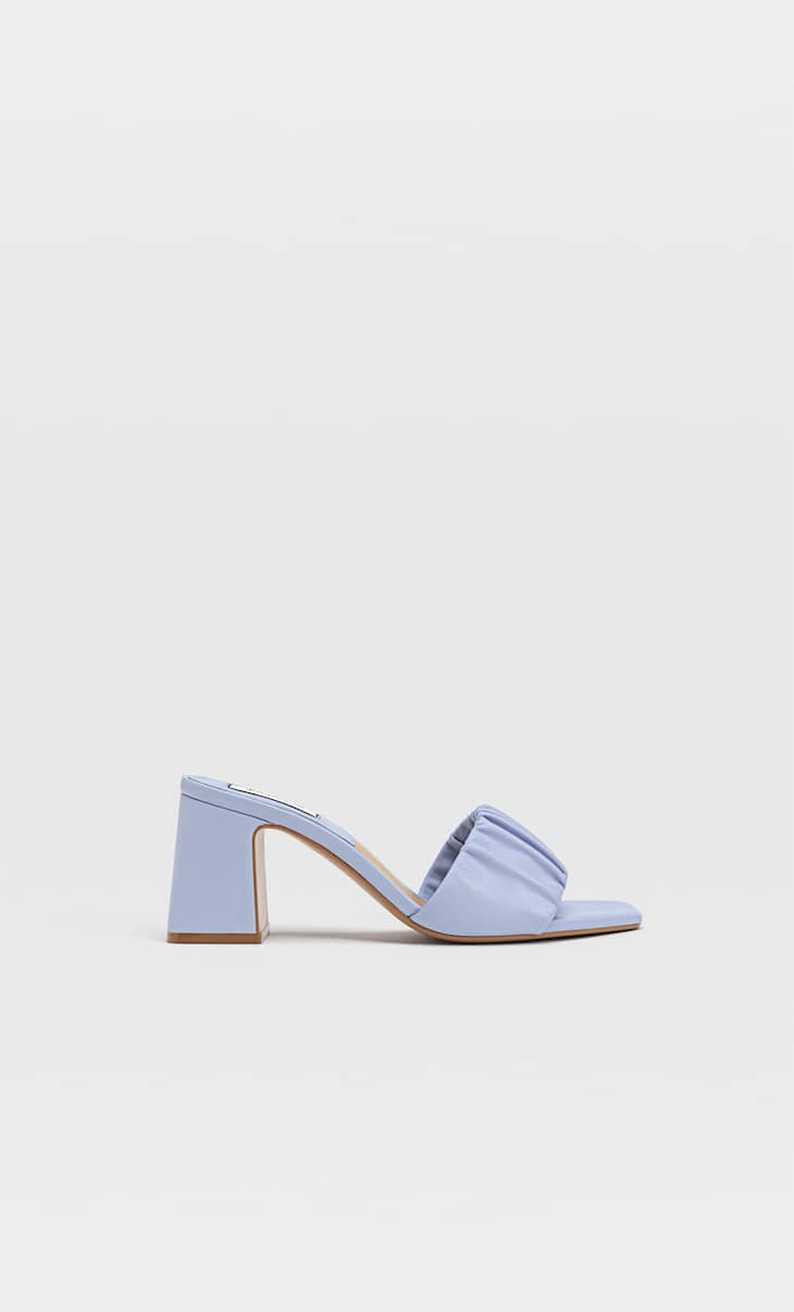 Heeled sandals with ruched strap